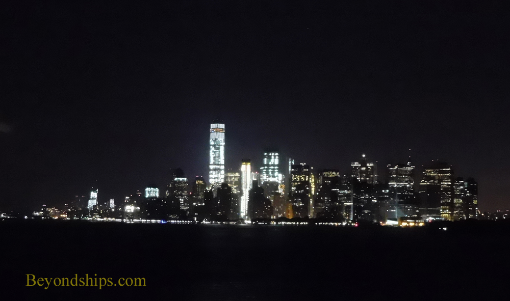 Picture Manhattan skyline at night
