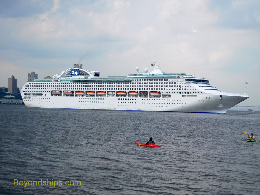 Cruise ship Sea Princess