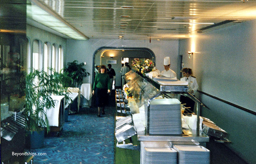 QE2 upper deck pool area food service