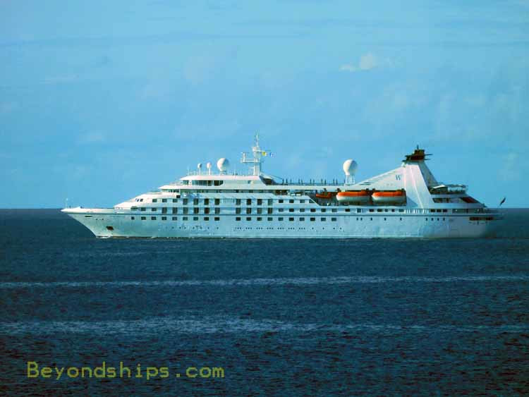 Cruise ship Sea Breeze