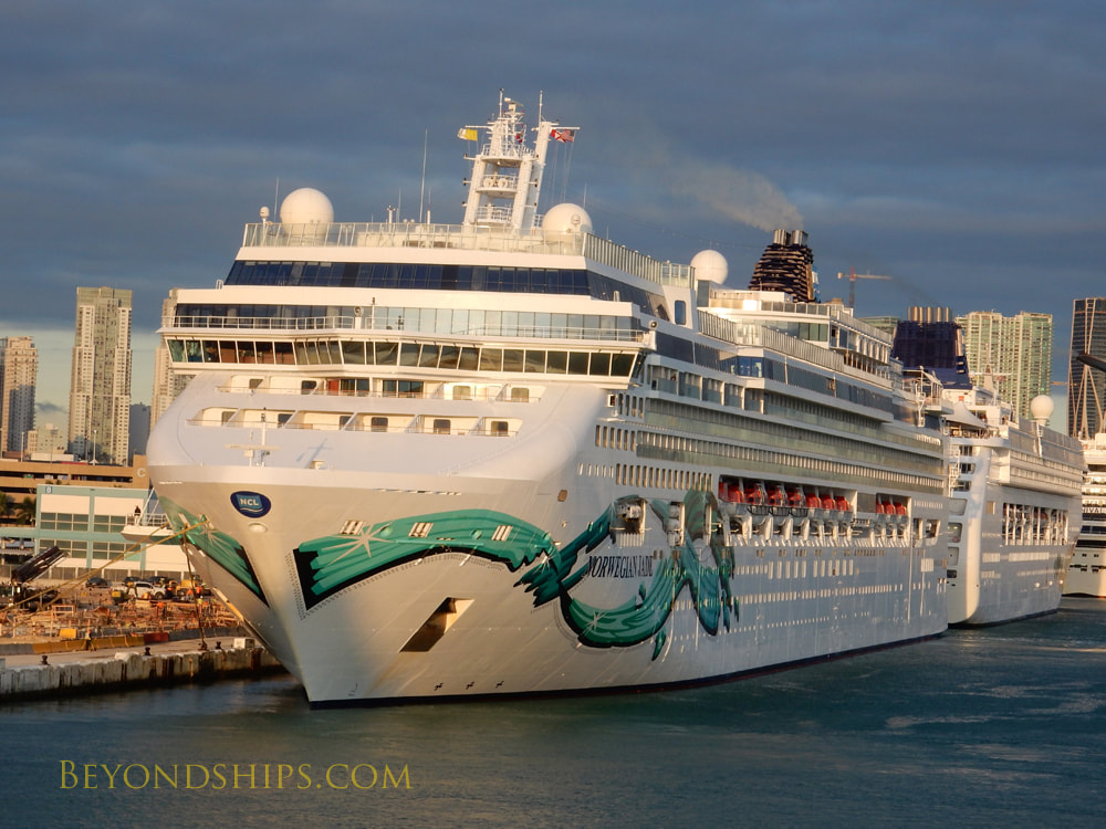 Cruise ship Norwegian Jade