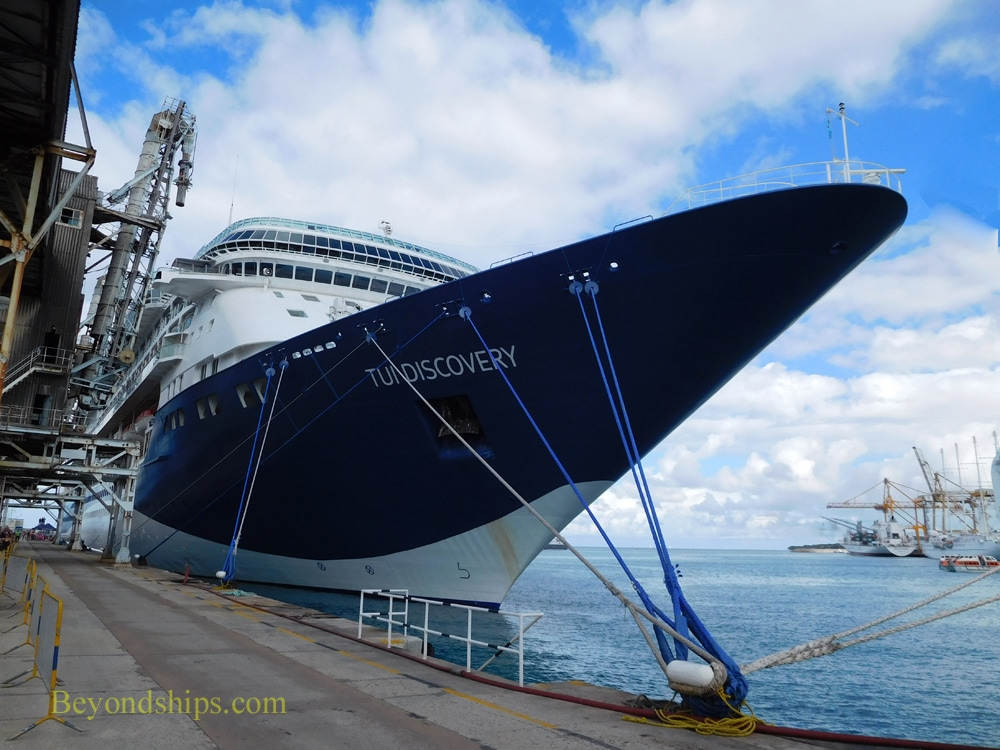 TUI Discovery cruise ship