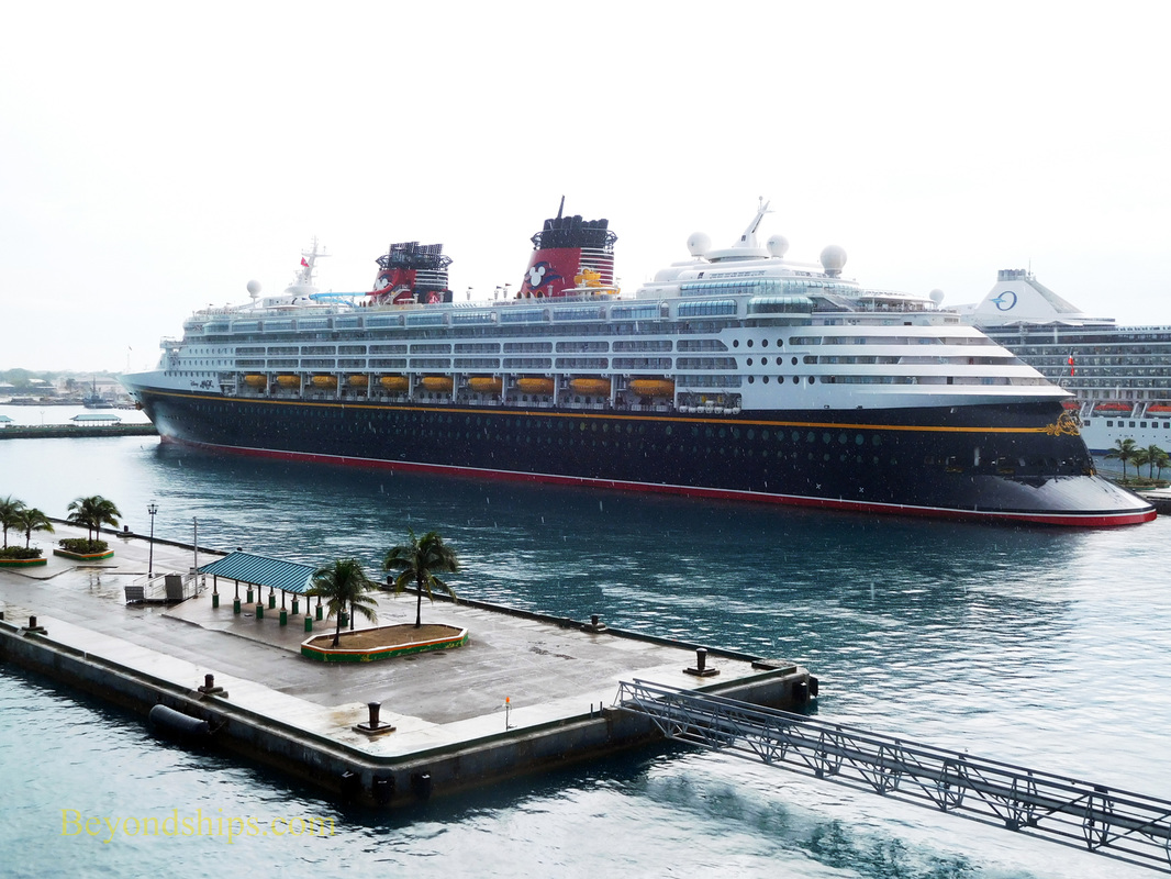 Disney Magic, cruise ship