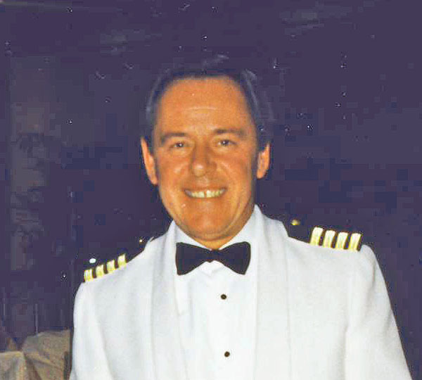 QE2 100th voyage, Captain Ron Bolton