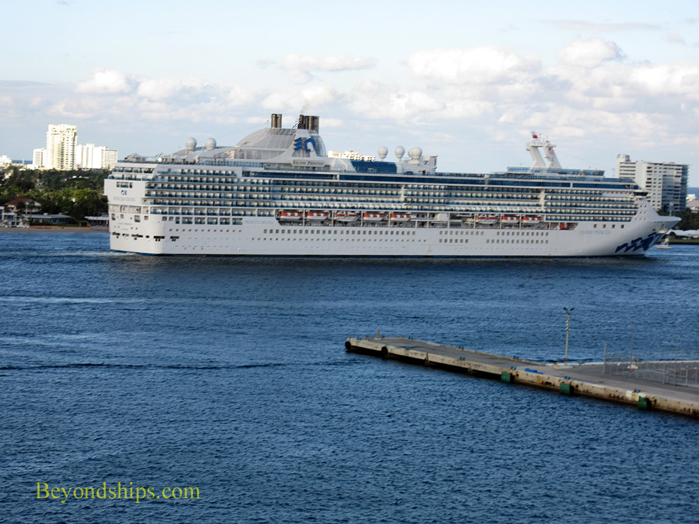 Cruise ship Island Princess