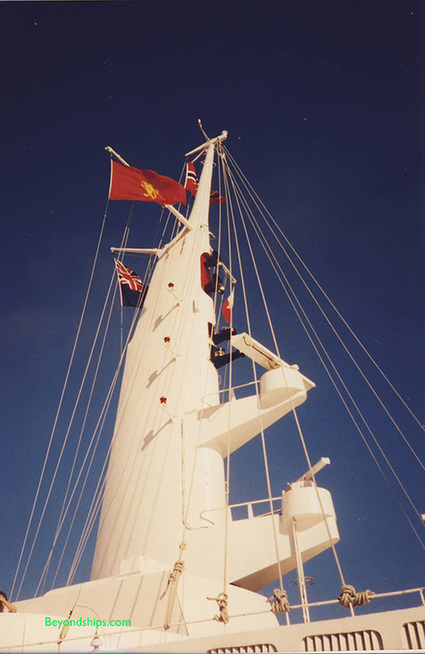 QE2 100th voyage, ship mast