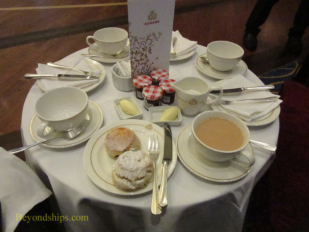 Afternoon tea on Queen Mary 2
