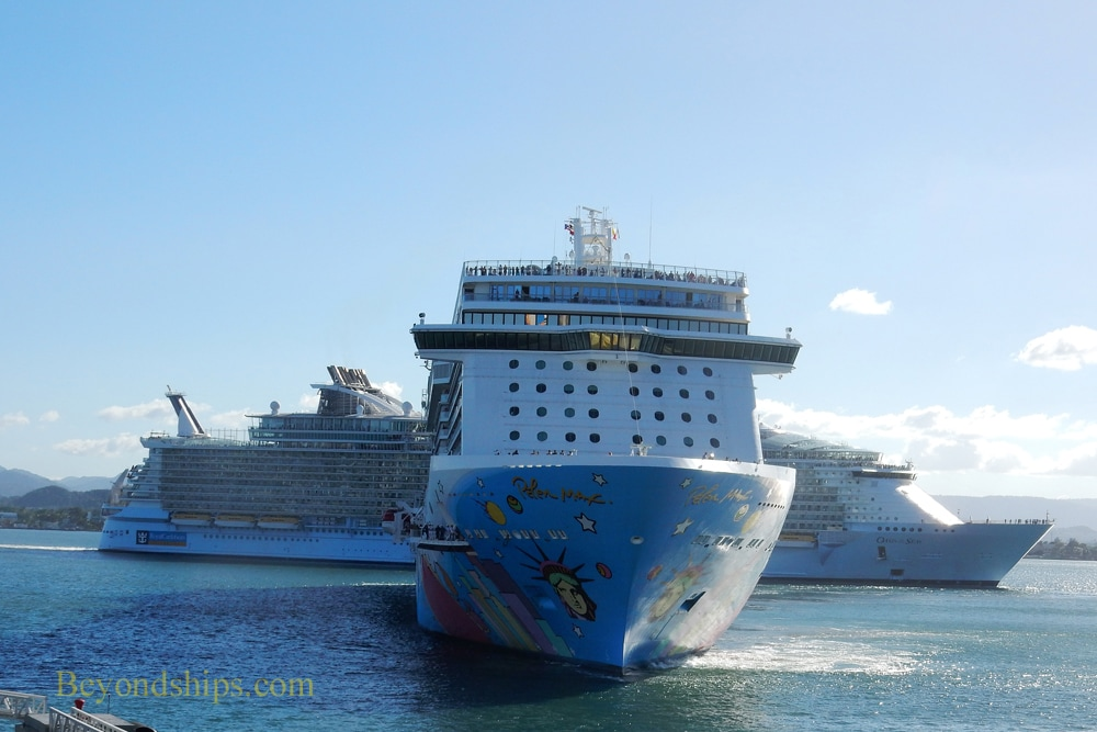 Cruise ships Norwegian Breakaway and Oasis of the Seas
