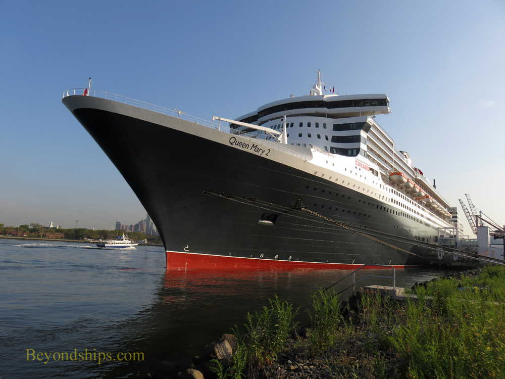 Queen Mary 2 ship
