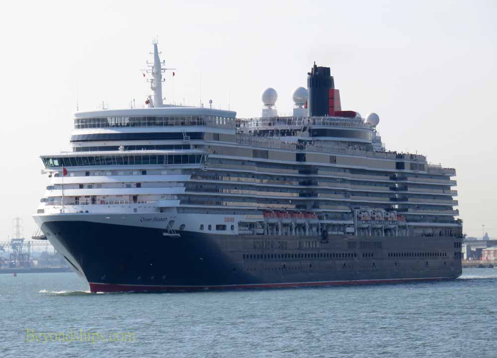 Cruise ship Queen Elizabeth in Southampton
